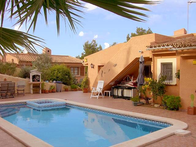 Terrassen Pool immo details avanti immobilien